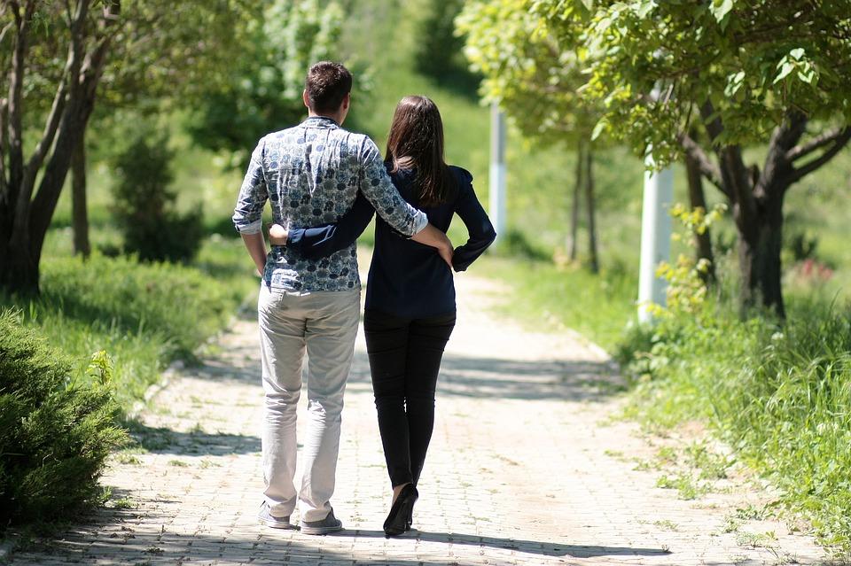 couple-1363959_960_720